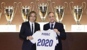 Modric y Florentino, en la renovaci�n del croata