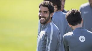 Raul García, sonriente durante un entrenamiento.