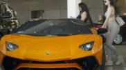 Kylie Jenner y su nuevo Lamborghini