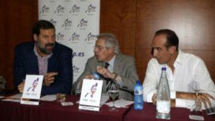 Alfonso Reyes en un acto con Joan Deulofeu y Epi