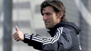 Miguel Ángel Angulo durante un entrenamiento en la era Neville.