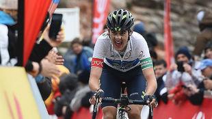 Marc Soler, entra en la meta de Lo Port, quinta etapa de la Volta, con...
