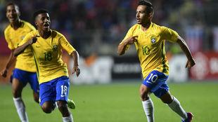Alan (10) celebra un gol conseguido ante Chile en el Sudamericano Sub...