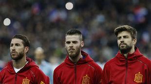 Sergio Ramos, David De Gea y Gerard Piqué con la selección española