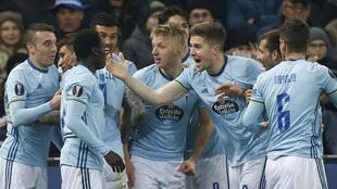Los jugadores del Celta celebran una victoria en Europa League este...