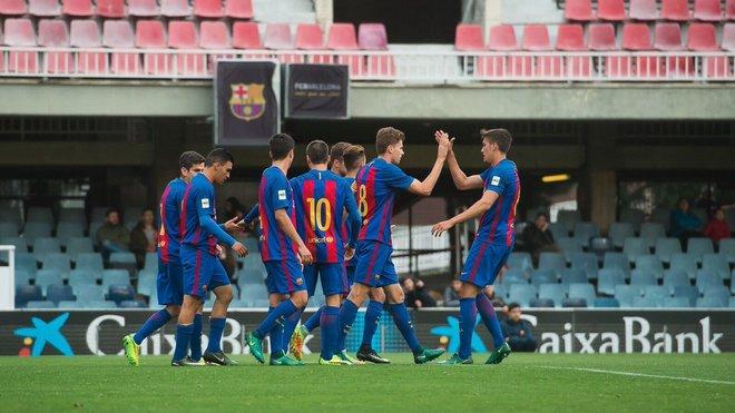 Los jugadores del Barcelona celebran uno de los goles ante el Eldense.