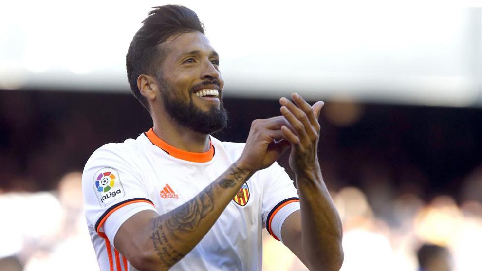 Diego Alves amplía su leyenda y Garay triunfa con 19 puntos