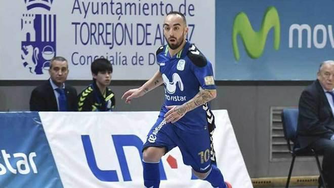 Ricardinho, del Movistar Inter, conduce el balón.