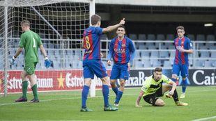Lance del partido que enfrentó al Barça B con el Eldense