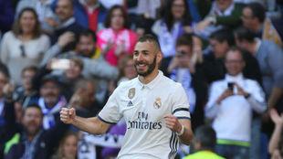 Karim celebra un gol en el partido de LaLiga ante el Alav�s