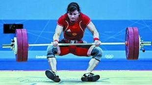 Svetlana Tzarukaeva, en un intento fallido en los Juegosde Londres...