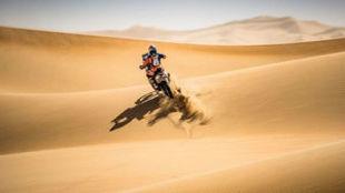 Sam Sunderland, por las dunas de Abu Dabi