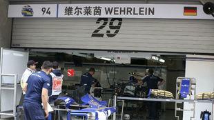 El box de Wehrlein en China, que ocupará Giovinazzi