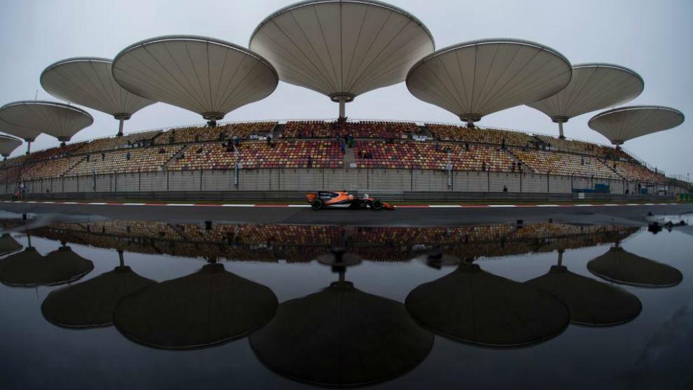 Fernando Alonso, durante la primera sesión de entrenamientos libres