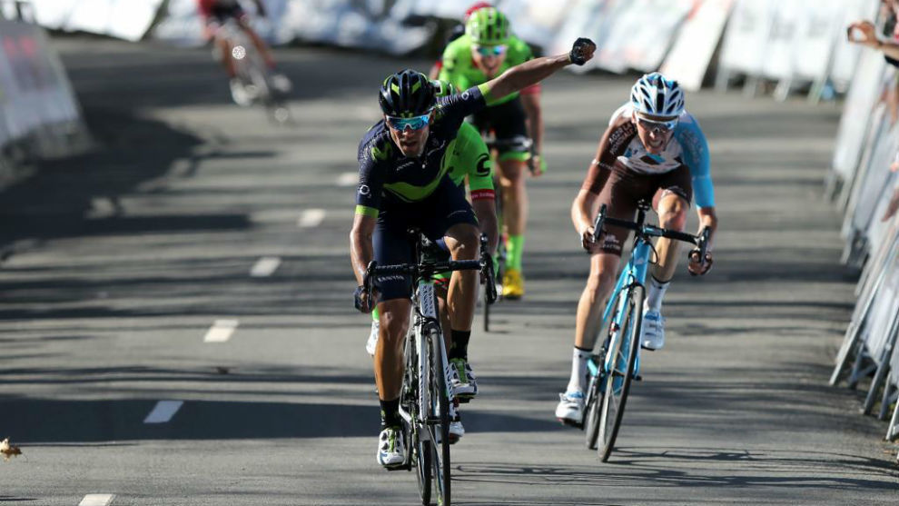 Alejandro Valverde celebrando en meta su triunfo en la etapa reina.