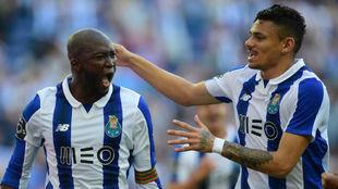 Danilo Pereira y Tiquinho, celebrando un gol del Oporto.