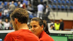 Conchita habla con Pablo Carreño.