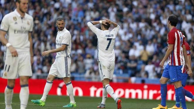 Bale, Benzema y Cristiano, durante el encuentro ante el Atlético.
