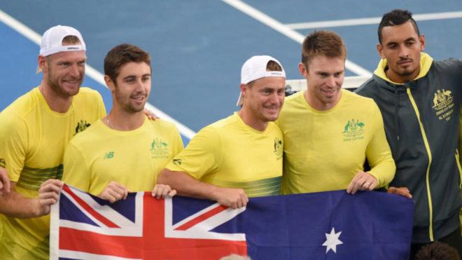 Australia celebra su victoria en la eliminatoria de la Davis ante...