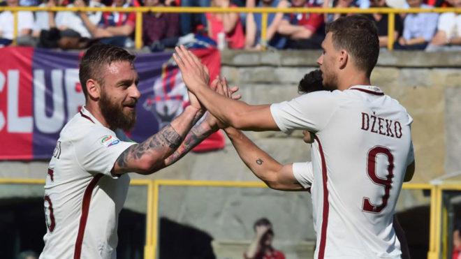 De Rossi y Dzeko celebran el gol del bosnio.