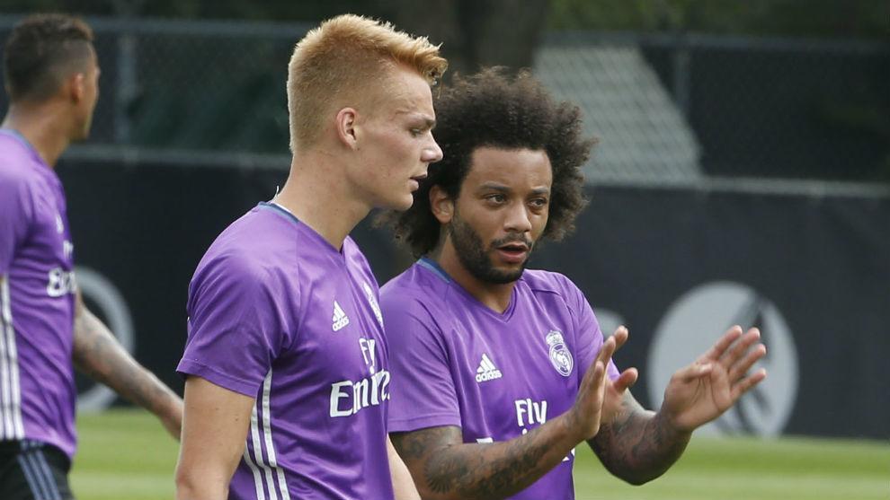Lienhart, junto a Marcelo durante la pretemporada del Real Madrid.