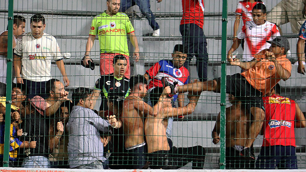 La violencia ha invadido los estadios del fútbol mexicano