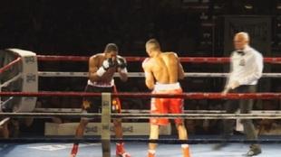 Hilario, a la izquierda, en su primer enfrentamiento ante Mohoumadi
