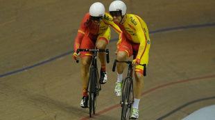Sebasti�n Mora y Albert Torres durante una competici�n de Madison en...