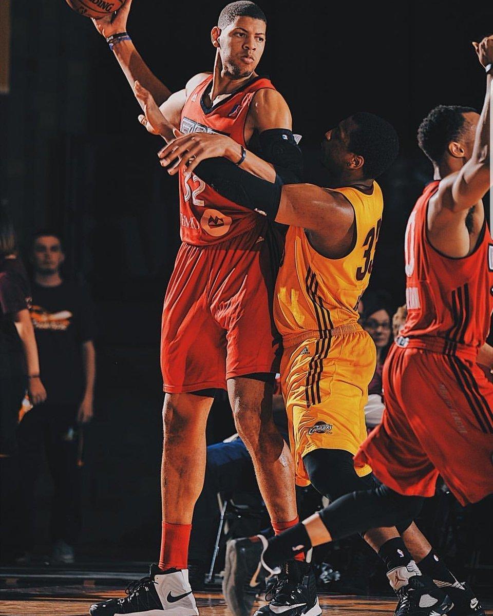 Walter Tavares jugando con los Raptors 905 en la D-League