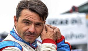 Oriol Servi�, durante las pruebas clasificatorias de las 500 Millas...