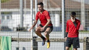 Sergio Le�n en un entrenamiento con Osasuna