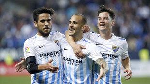Juanpi A�or celebra con Sandro y Recio la victoria ante el Barcelona