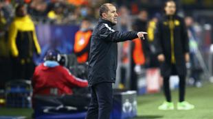 Jardim da indicaciones durante el partido frente al Dortmund