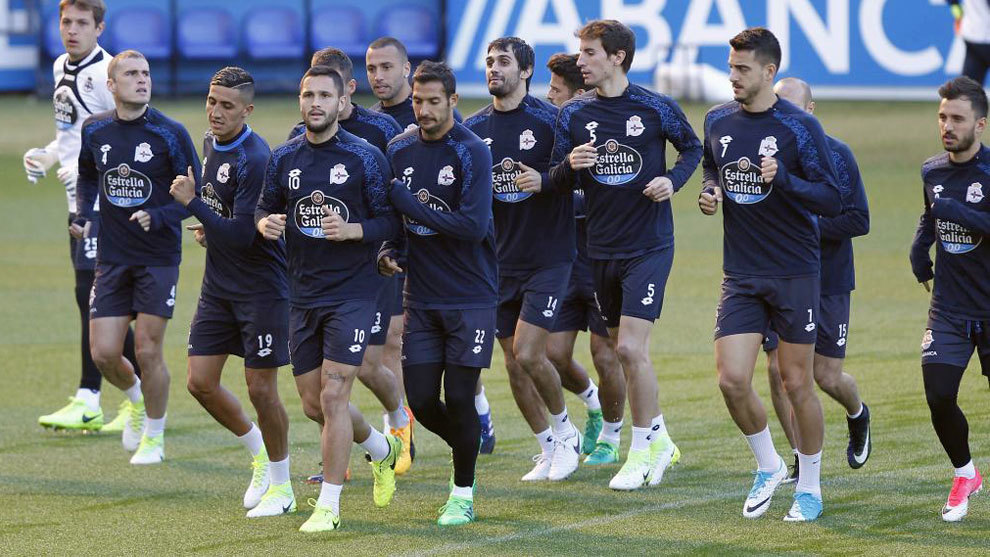 Navarro es baja segura ante el Málaga, Juanfran seria duda y Mosquera, sin el alta