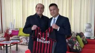 Yonghong Li, con Silvio Berlusconi.