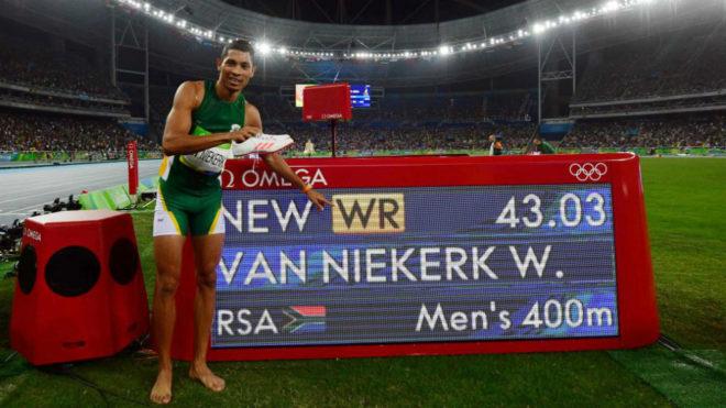 Wayde van Niekerk tras ganar el oro en Río y batir el récord...
