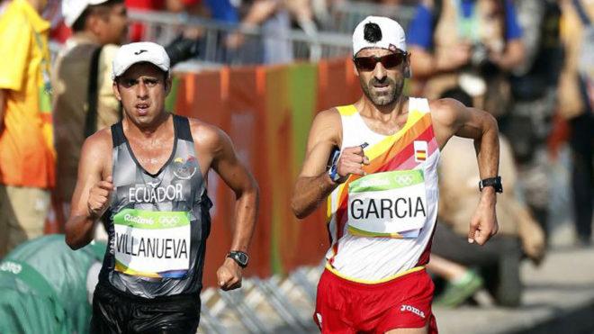 García Bragado disputando los 50 kilómetros marcha en los Juegos de...