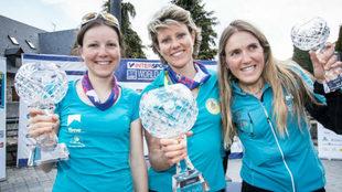 Axelle Mollaret, Laetitia Roux y Claudia Galicia, podio de la general...