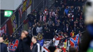 La afición del Atlético en Leverkusen.