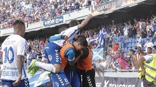 Los jugadores del Tenerife celebran el gol de Amath al Girona el...