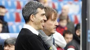 El técnico López Muñiz y el presidente Quico Catalán, en la banda...
