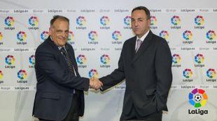 Javier Tebas y Óscar Garvín, durante el anuncio del proyecto.