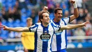 Pedro Mosquera celebrando un gol con el Depor