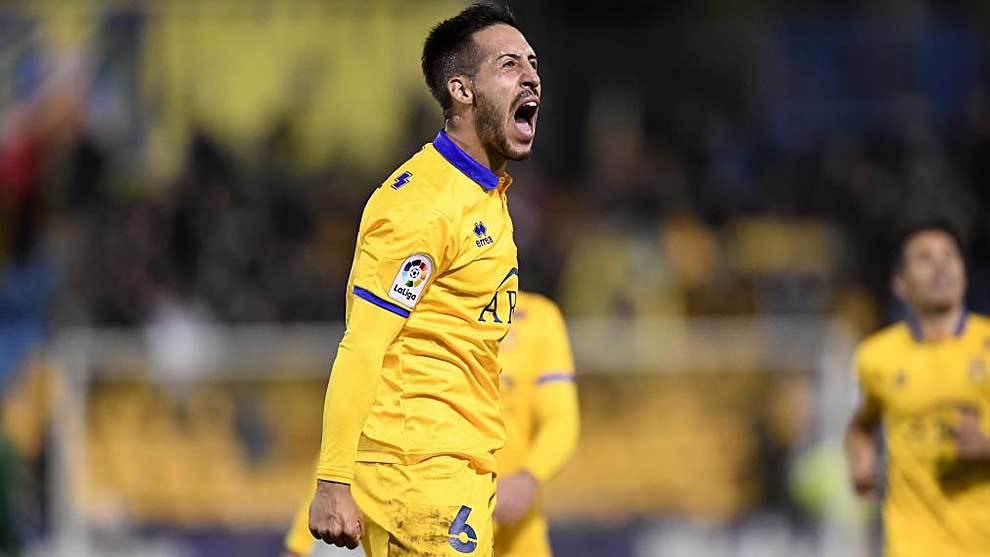 Toribio celebra con rabia su gol al Oviedo en Santo Domingo