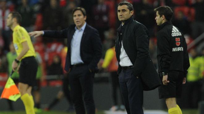 Berizzo y Valverde, en la banda de San Mamés en un Athletic-Celta.