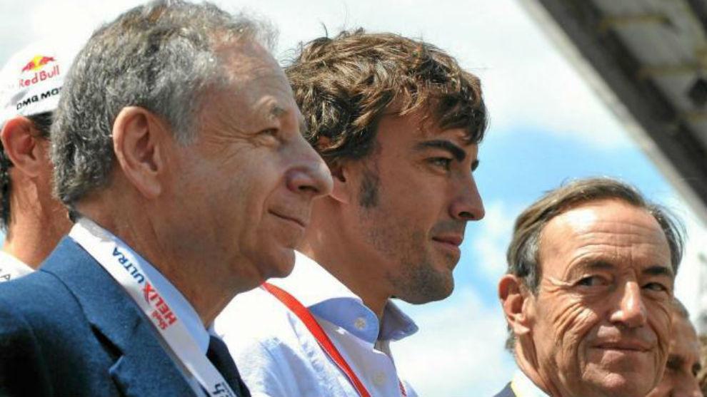 Alonso, junto a Jean Todt, en la salida de las 24 Horas de Le Mans de...