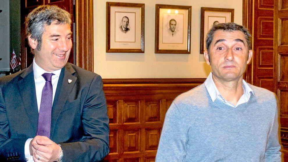 Urrutia (49)  y Valverde (53) durante una de sus comparecencias...