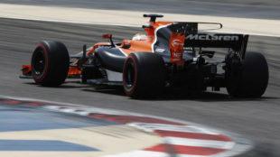 Vandoorne pilota el McLaren Honda en el test post carrera de Bahr�in.