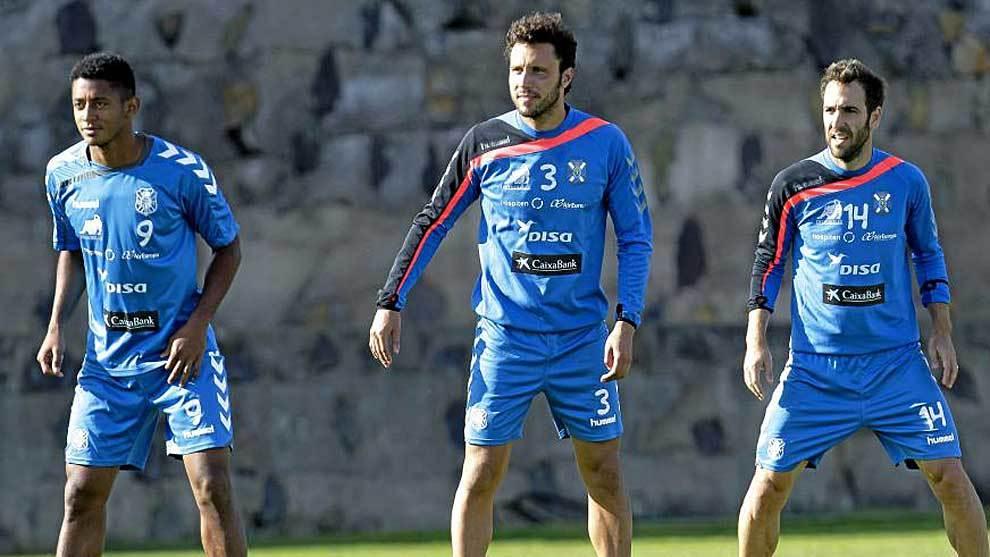 Lozano, Germán y Carlos Ruíz se ejercitan en un entrenamiento del...