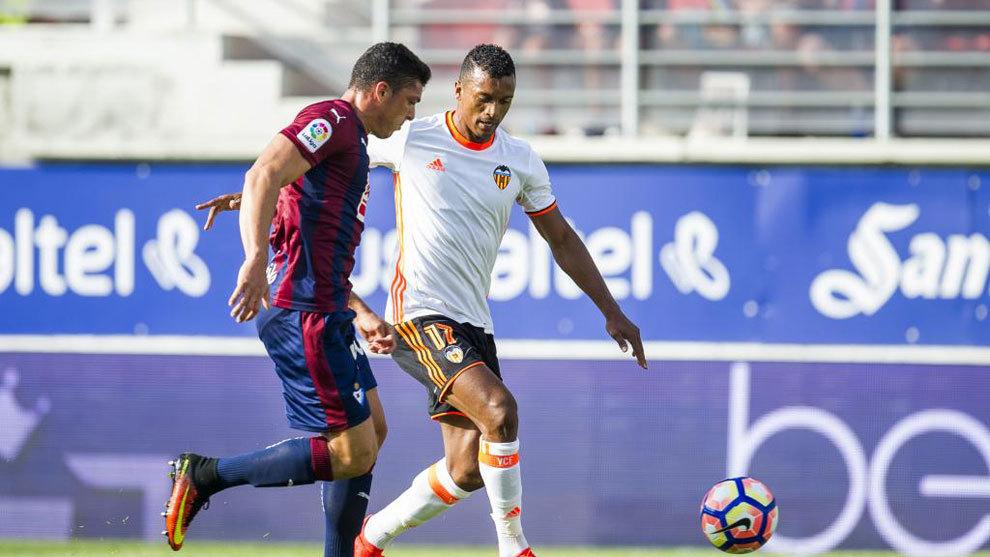 Ander Capa contra el Valencia